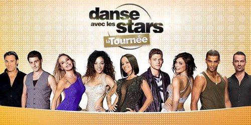Bataille de fleurs à Nice : l'équipe de Danse avec les Stars sur un char !