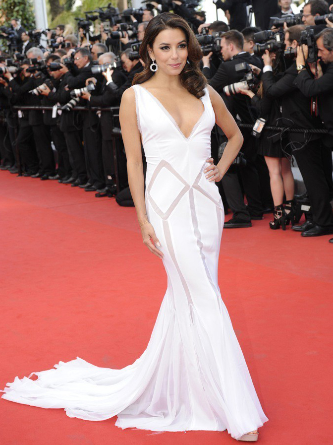 A-Cannes-Eva-Longoria-est-radieuse_portrait_w674 copie