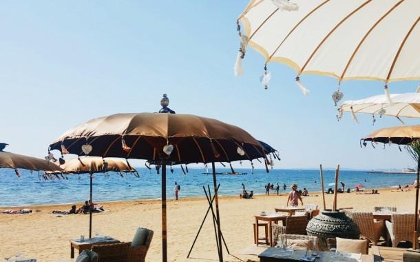 La Londe les Maures: l'Hemingway, la plage c'est chic!