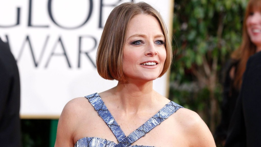 actress-jodie-foster-arrives-at-the-70th-annual-golden-globe-awards-in-beverly-hills-1_5321573
