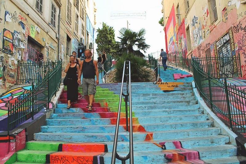 escaliers-du-cours-julien-marseille-2