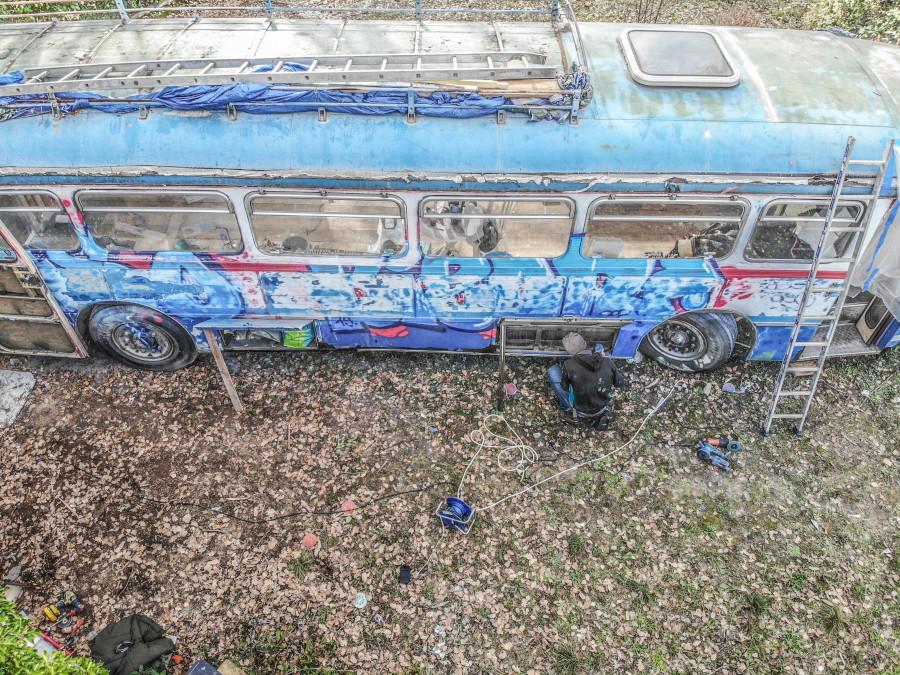 bus-60