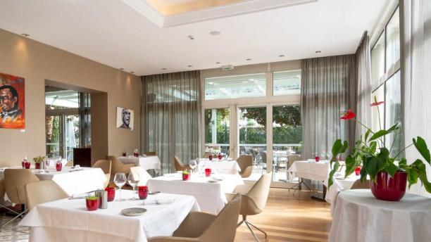 le-blu-lounge-hotel-ac-marriott-ambassadeur-vue-de-la-salle-139ca