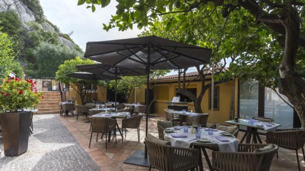 le-patio-hotel-la-perouse-vue-de-la-terrasse-d6766