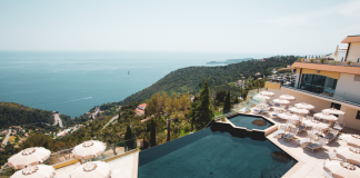 terrasse-eze-piscine-pool-day