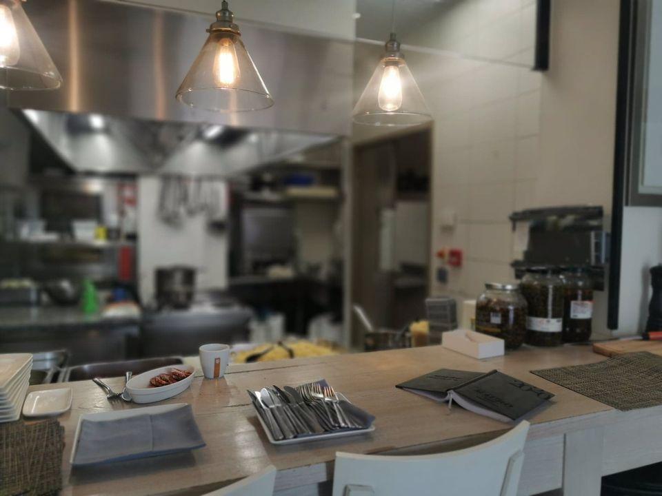 cuisine-ouverte-antibes-closerie