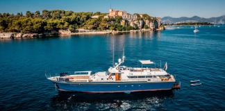 bateau-baie-cannes-electro