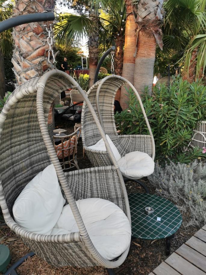 Villa-djunah-fauteuil
