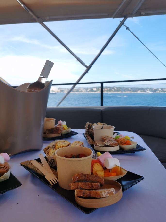 dejeuner-yacht